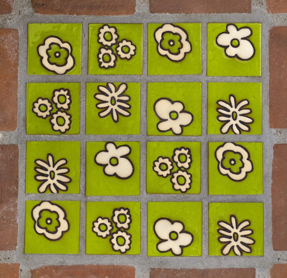 Flower-Tile-green.jpg