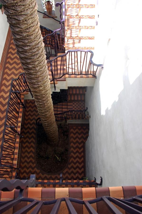 El-Andaluz_Exterior1021.jpg