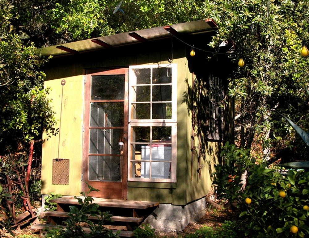 Huts_Exterior1004.jpg