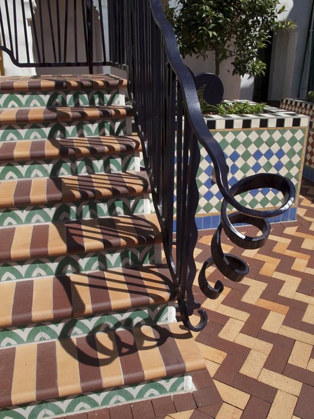 Leaf-Zag-Stair-3.jpg