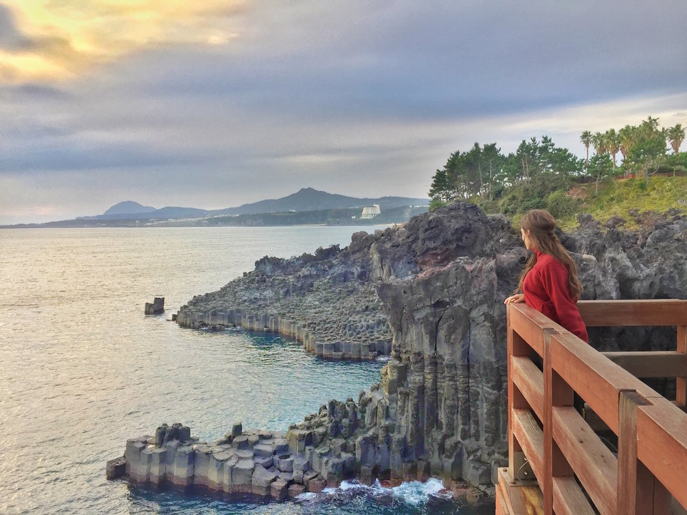 jeju-jusangjeollidae-cliffs.JPG