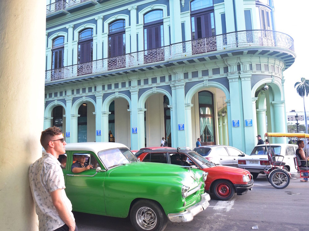 Admire and ride in the old Vintage classic cars in Cuba  - Tessa Juliette | http://travelwheretonext.com/cuba