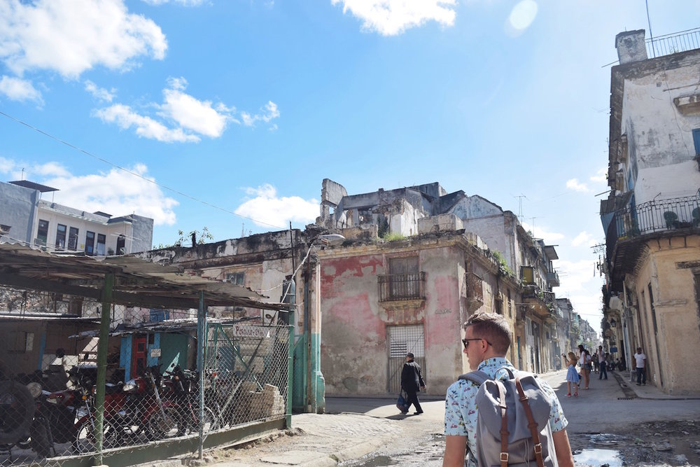 The crumbling buildings in old havana  -  Tessa Juliette | http://travelwheretonext.com/cuba