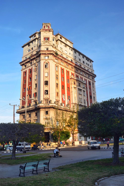 The old buildings of Vedado in Cuba. - Tessa Juliette | http://travelwheretonext.com/cuba