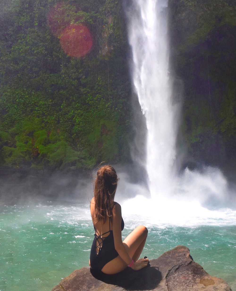Enjoy so many waterfalls in costa Rica.   One of the best things to do in Costa Rica.   Tessa Juliette | Travel Where to Next http://travelwheretonext.com