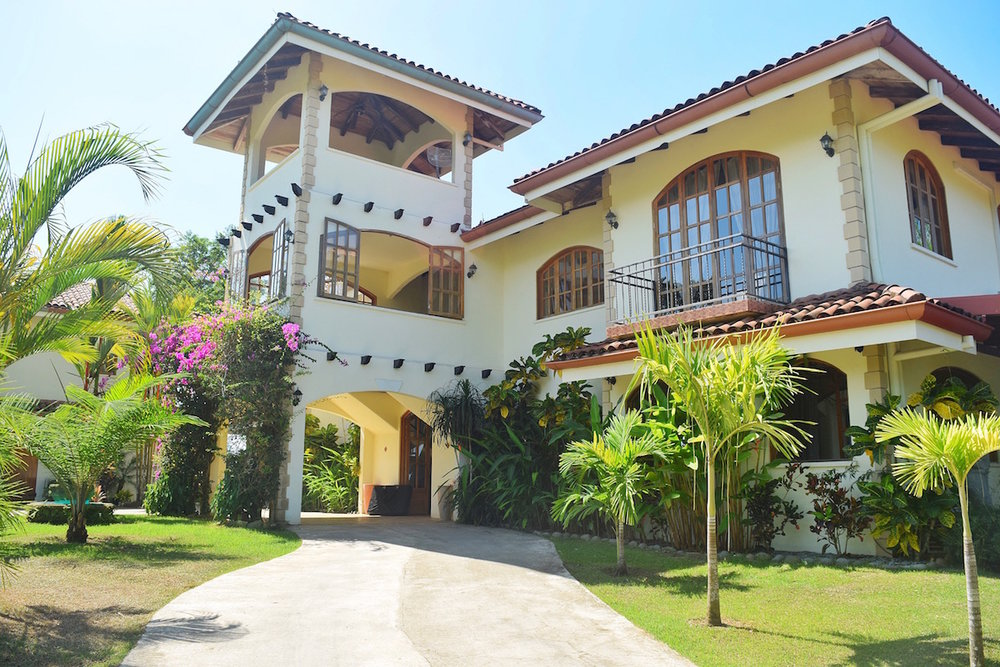 Is El Castillo a good hotel in Costa Rica? YES! and you should definitely stay there. Tessa Juliette - Travel Where to Next http://travelwheretonext.com