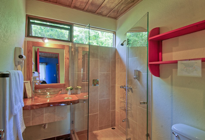 bathroom and shower at Hotel Mystica Costa Rica