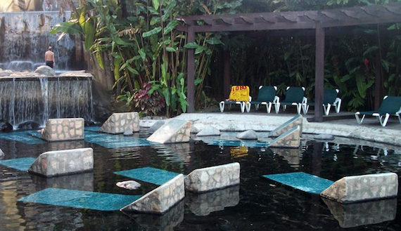 Where to find the best hot springs in Costa Rica.  Tessa Juliette | Travel Where to Next http://travelwheretonext.com