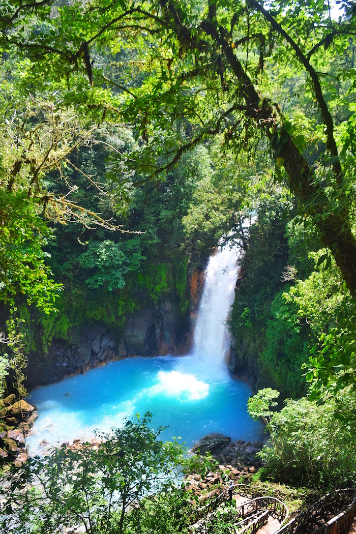 How to get to the Rio Celeste Waterfall. How to visit the Rio Celeste Waterfall. Where the best trails are to see Rio Celeste Waterfall.    Tessa Juliette | Travel Where to Next http://travelwheretonext.com