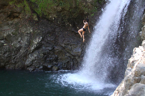 One of the best waterfalls in costa rica to visit!   Tessa Juliette | Travel Where to Next http://travelwheretonext.com