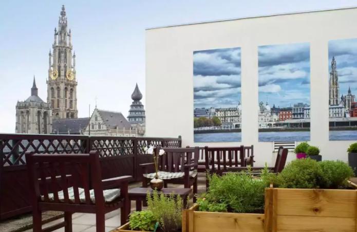 Best Hotel in Antwerp Belgium - Hilton Antwerp Old Town.  Tessa Juliette http://travelwheretonext.com