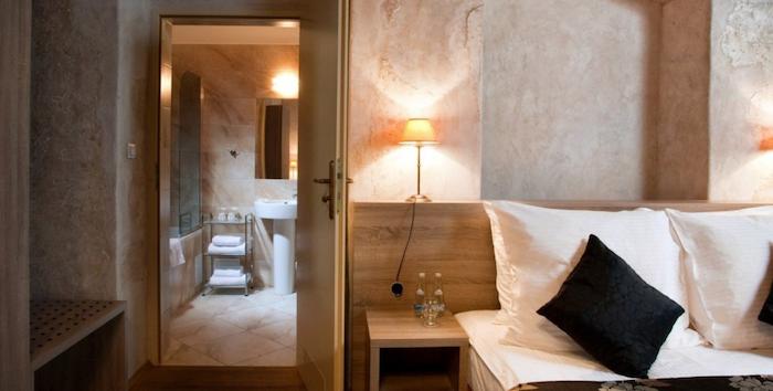 Room | Hotel Santi