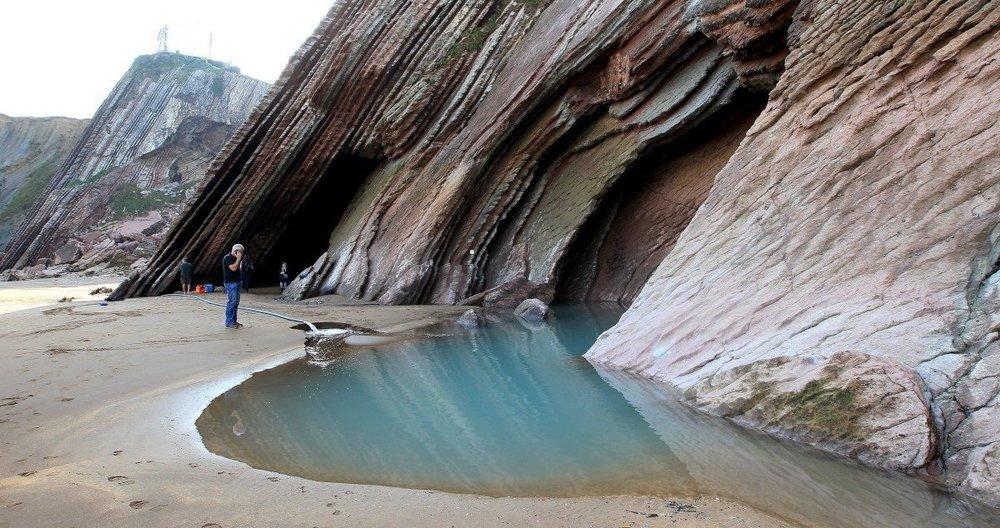 dragonstone_beach_2.jpg