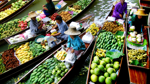 While in Bangkok one of the best things to do is go to the floating market
