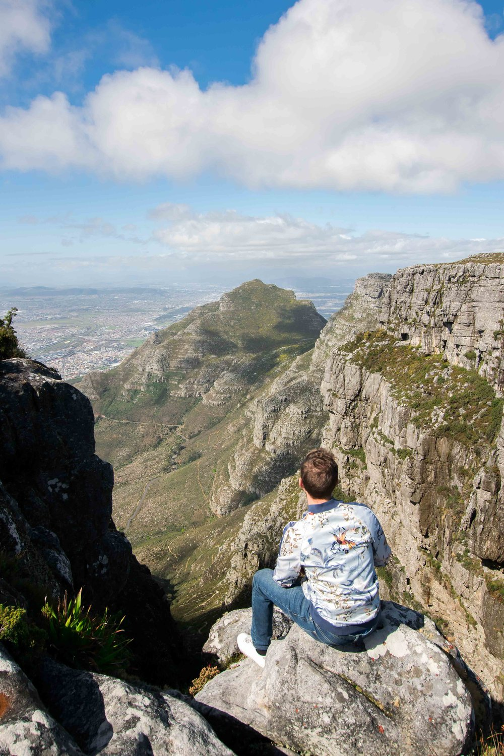 Hiking at the top of Table Mountain