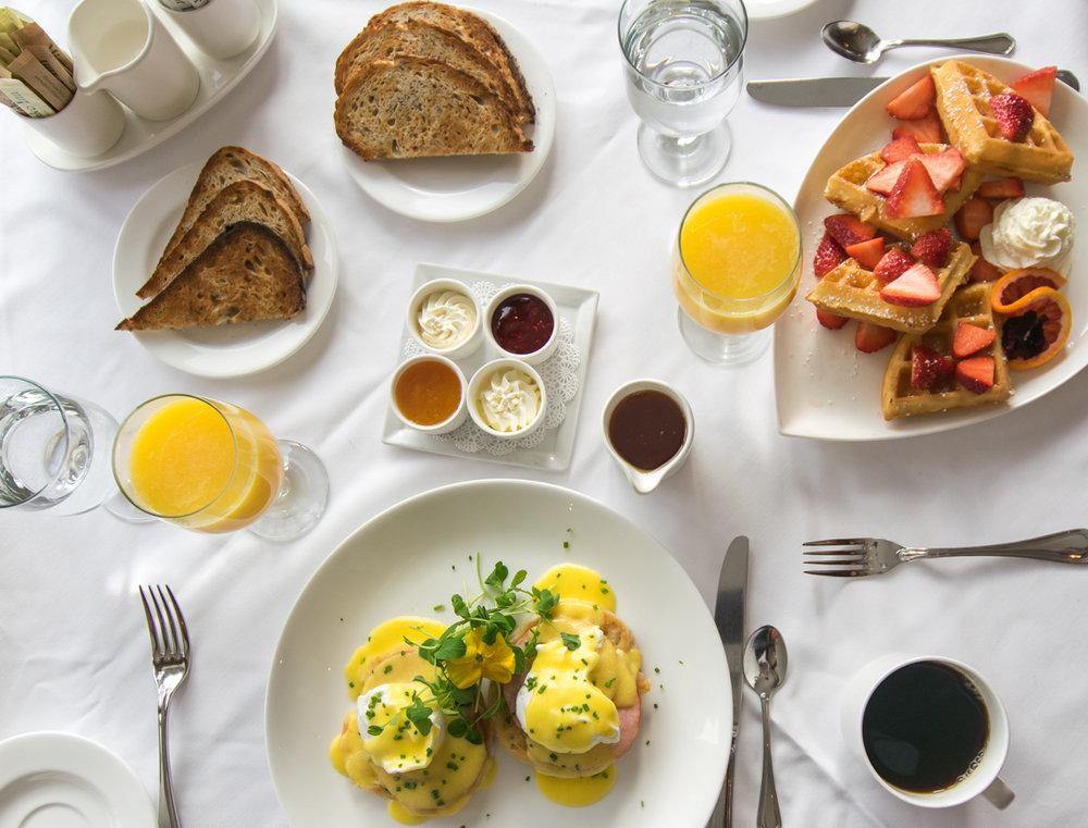 Breakfast at Mirror Lake Inn.