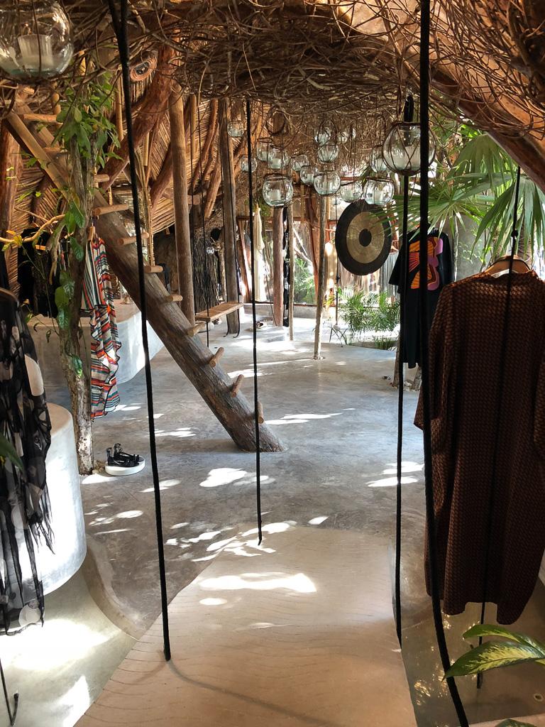Shop in Azulik