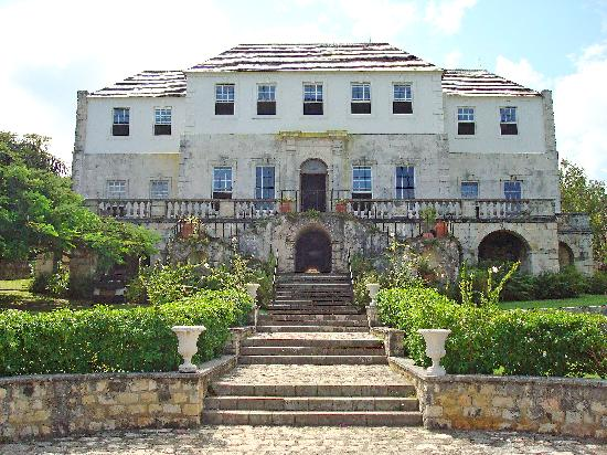 One of the best things to do in Jamaica is visit Rosehall great house