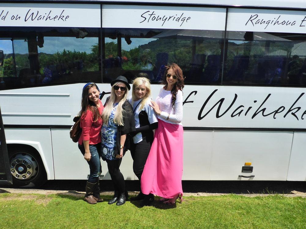 girlswaiheketourbus