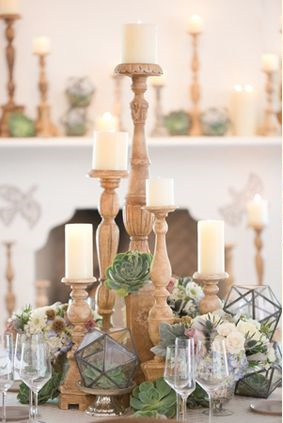 Amy & Jordan Photography     |     The Flower Studio     | via     Ruffled   |    Pocketful of Sunshine Event Design Blog: Winter Wedding Trends
