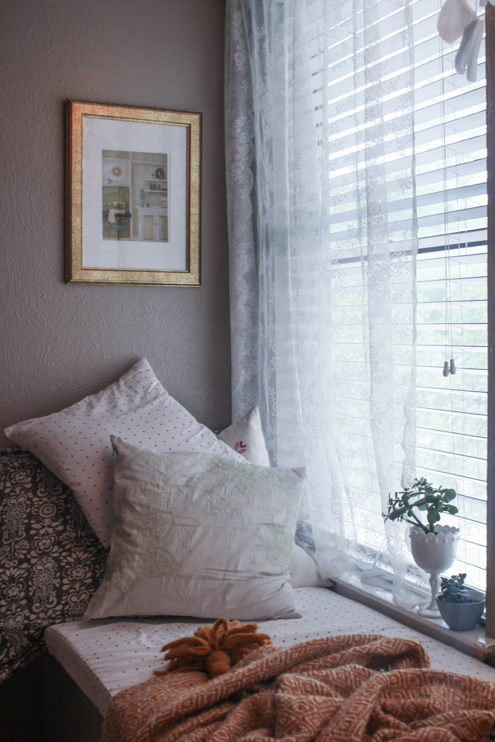 Cozy Window Nook |All the Delights