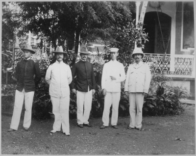 Douglas MacArthur's father (Arthur, second from the left) in the Philippines at the end of the Spanish-American war. Photo from the Public Domain, via  WikiMedia Commons  and U.S. NationalArchives and Records Administration.