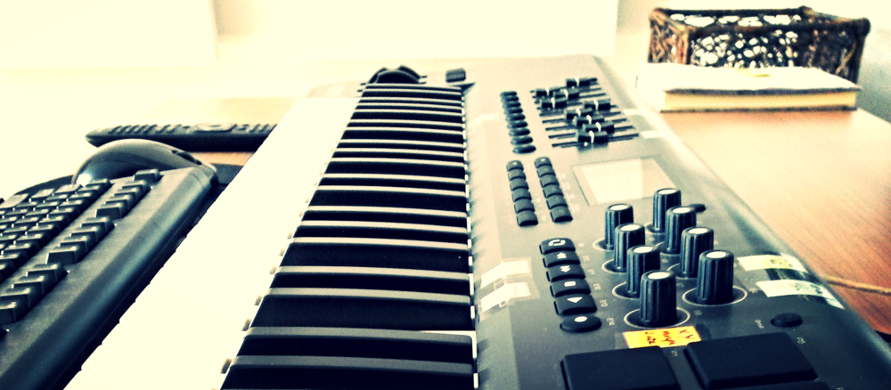 Wilt u ook artiestenmanagement aanbieden dan komt u met uw DJ's een managementcontract overeen.