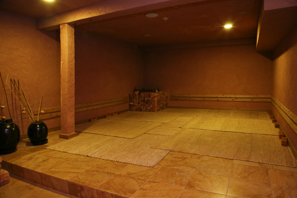 Clay Room A traditional Korean favorite, the Clay Room is great for detoxifying the body of impurities, improving skin conditions, and flushing the body of heavy metals.