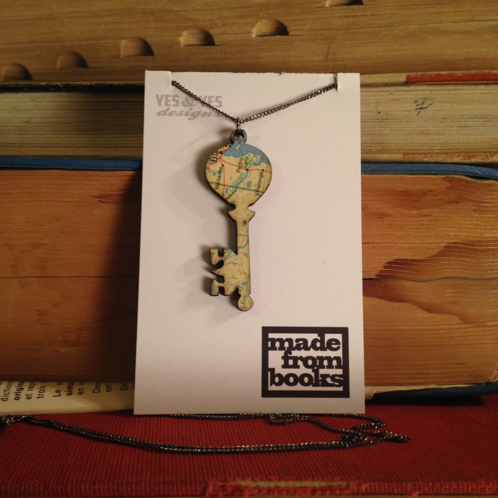 ROYAL KEY MAP NECKLACE $26