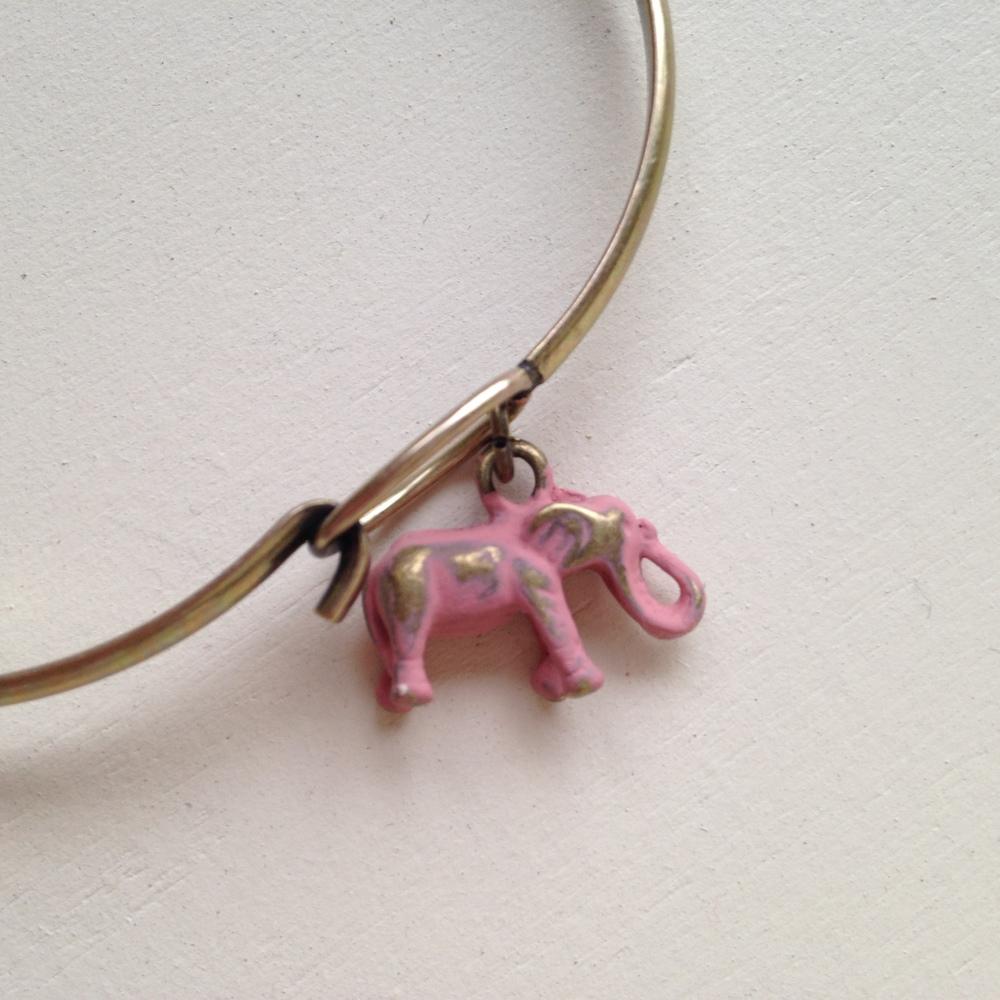 ELEPHANT CHARM BRACELET $20