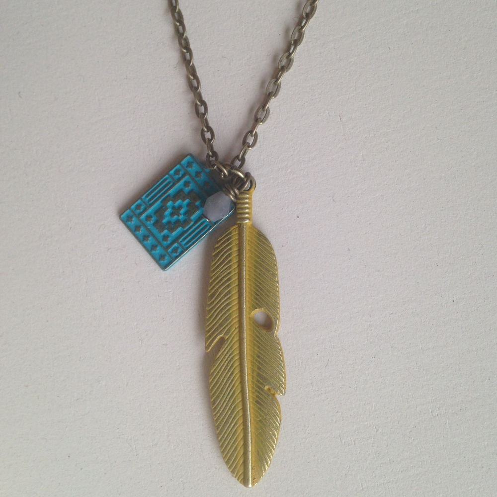 TRIBE NECKLACE- YELLOW $32