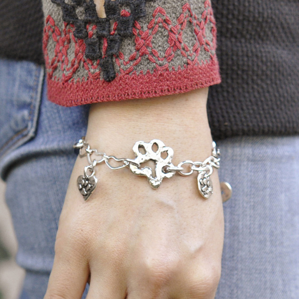 b404_Dogs_Forever_bracelet_3_ic.jpeg