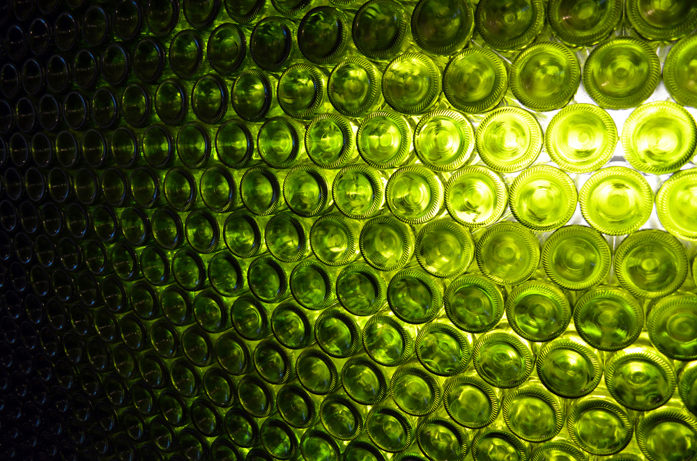 HOM_Glass_Bottle_Green_5.jpg