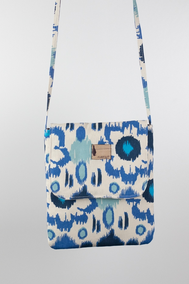 BLUE LAGOON TECHY BAG  $44