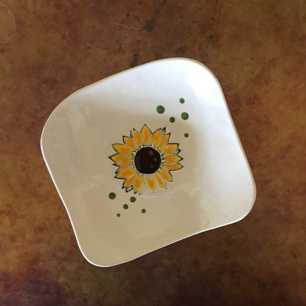 Sunflower Dishette $16