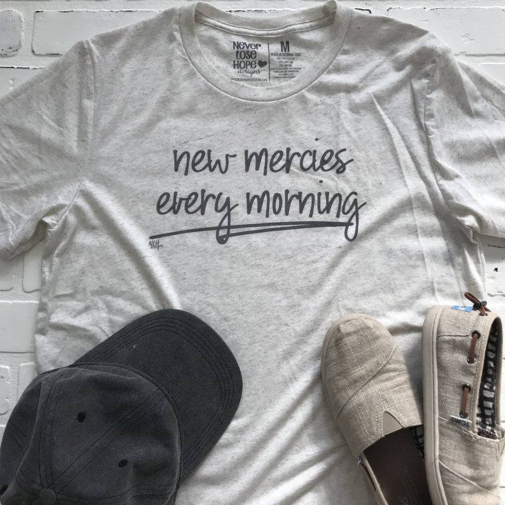 New Mercies Every Morning T-Shirt sz Small $25