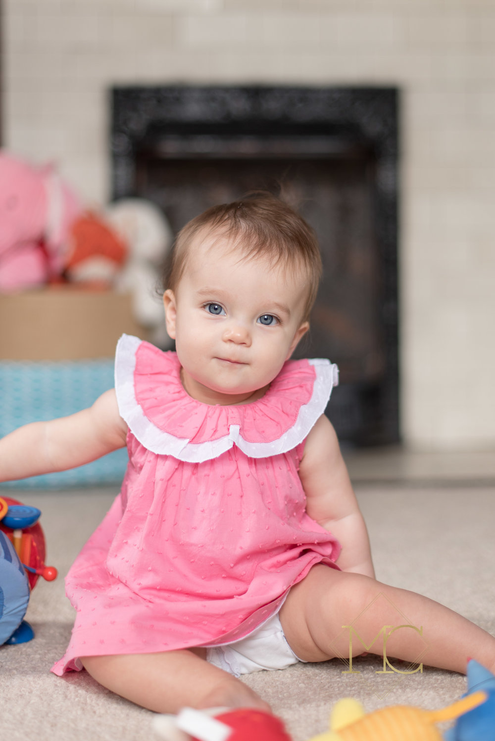 image from nashville lifestyle photo session of nine month old girl at home