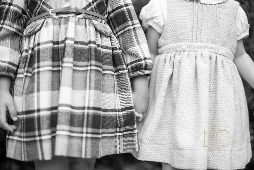 image of sisters from a nashville lifestyle family photography session