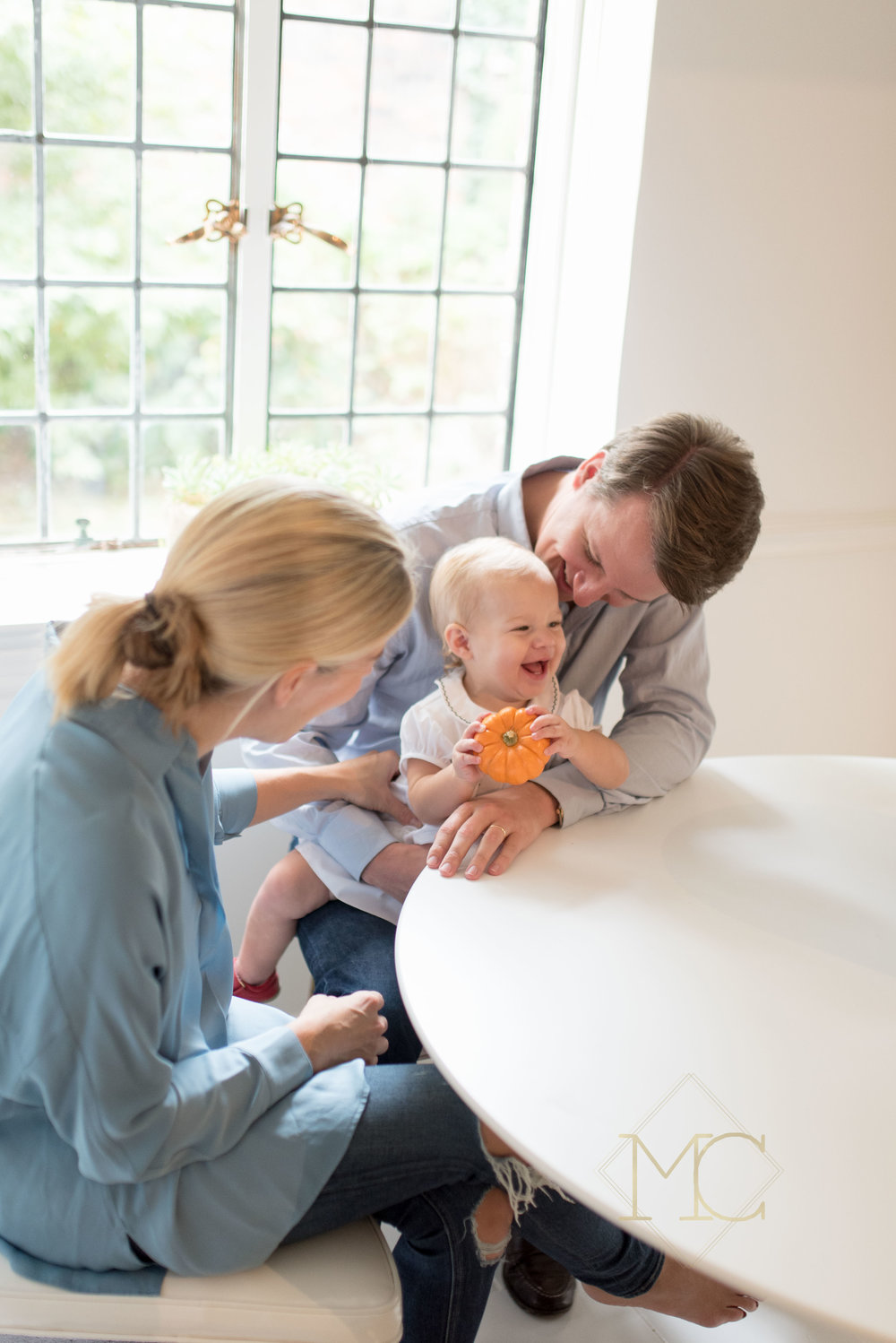 image of nashville family lifestyle photography session at home in a year in the life