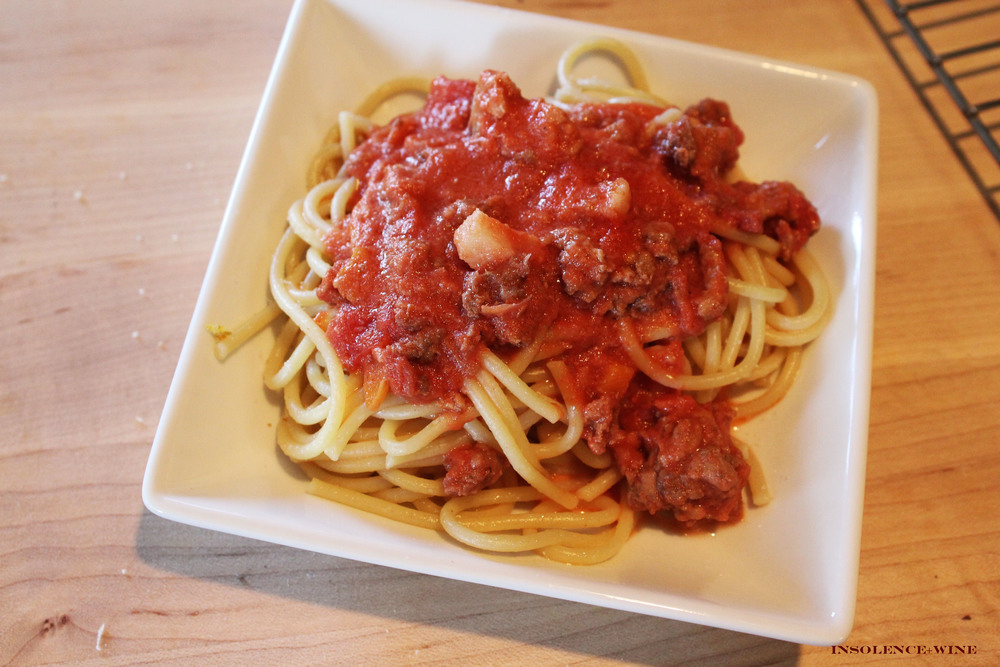 spaghetti with wine and meat sauce insolence + wine