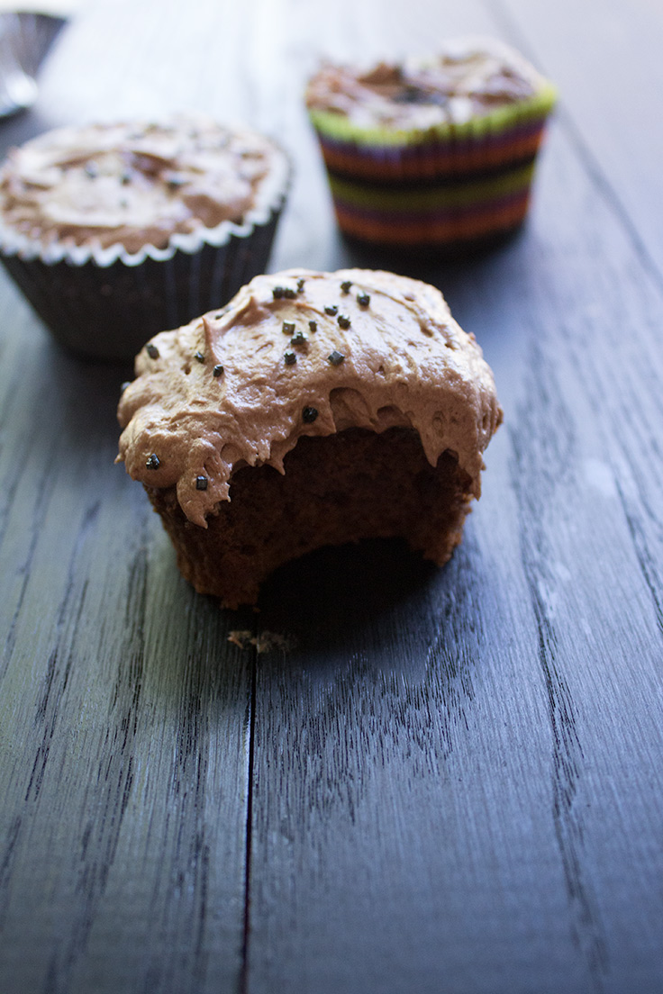 These chocolate pumpkin cupcakes are satisfying to both chocoholic and pumpkin lovers and will be perfect for a pumpkin carving party or a night in watching scary movies.