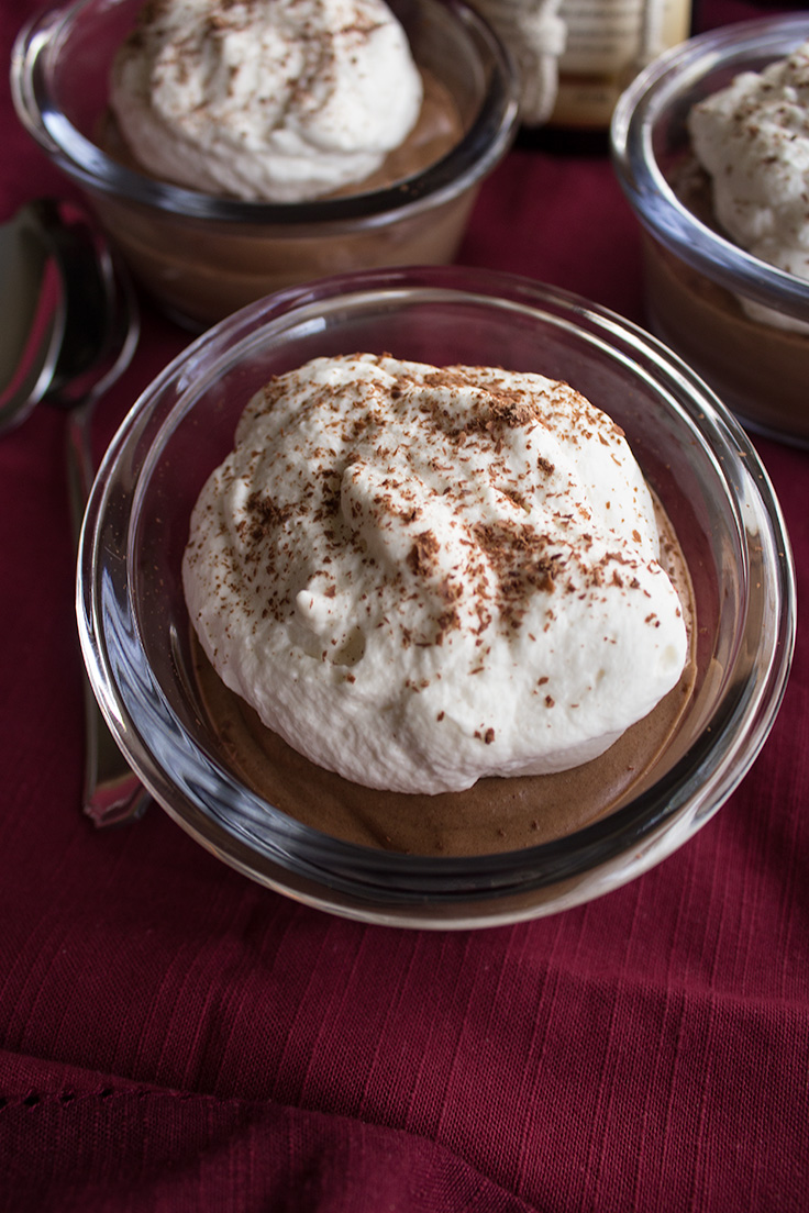 This easy hazelnut mousse has an added boozy kick to it's flavor.  #valentinesday insolenceandwine.com