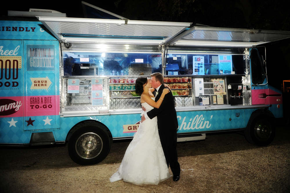 Let Ruthie's Rolling Cafe cater your next party or event in Dallas-Fort Worth.