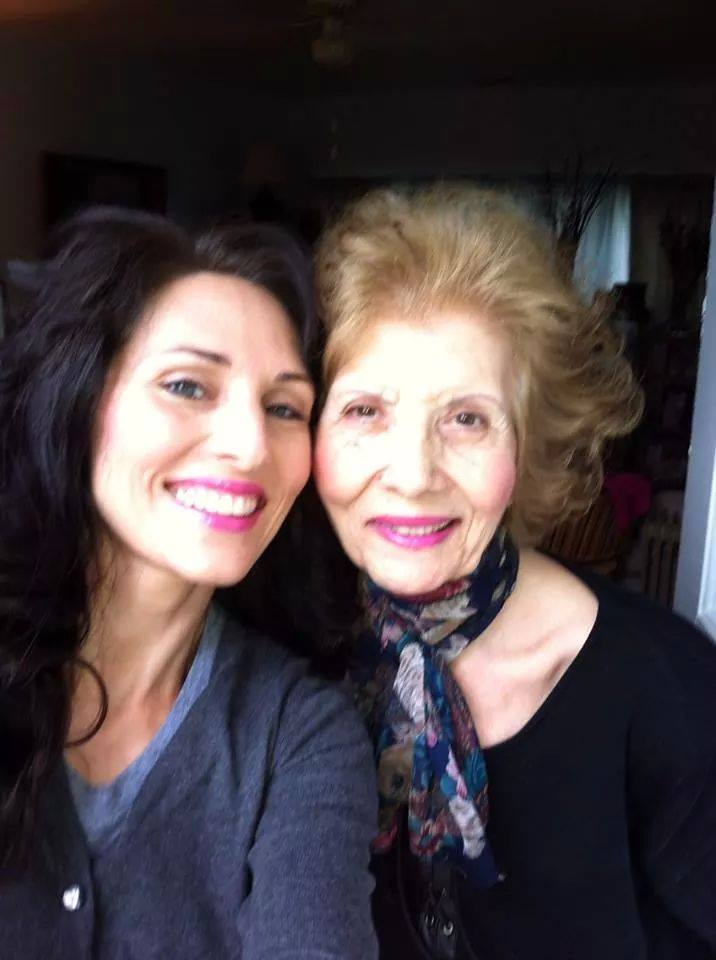 Anna and her mom