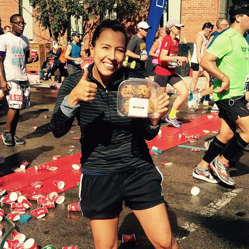 Sol sharing our cookies at the Chicago Marathon.