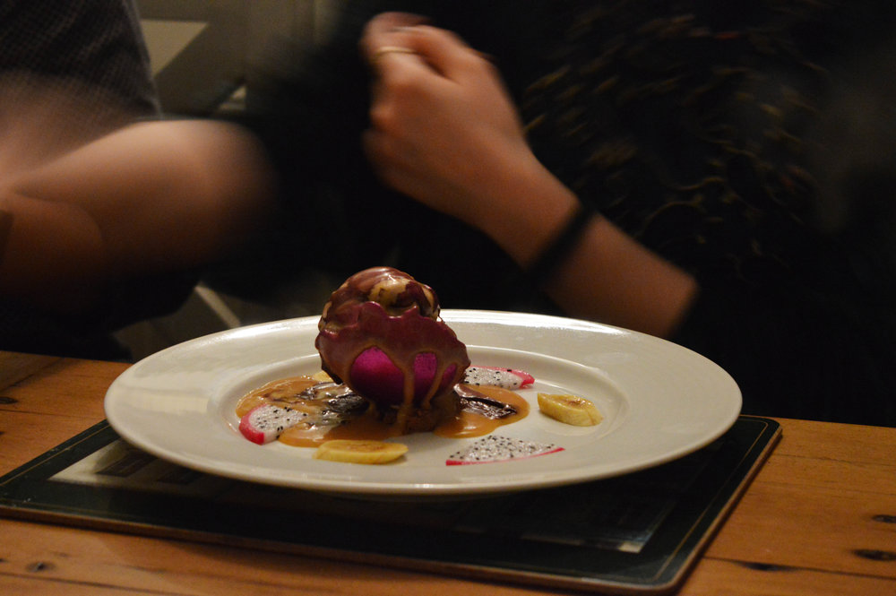 La Belle Assiette Melting Chocolate Ball Pudding