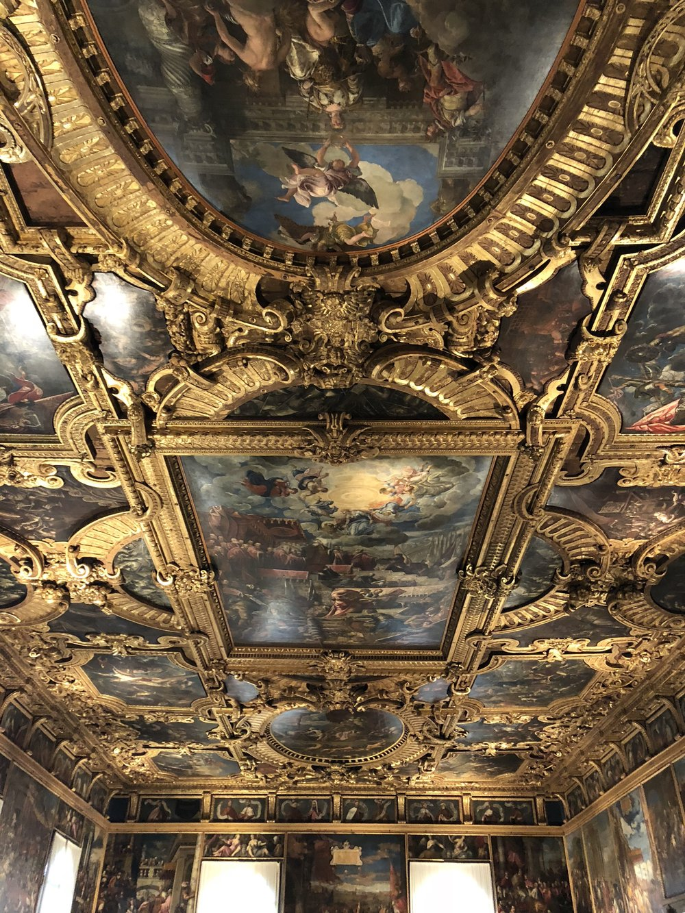 The ceiling in the Chamber of the Great Council