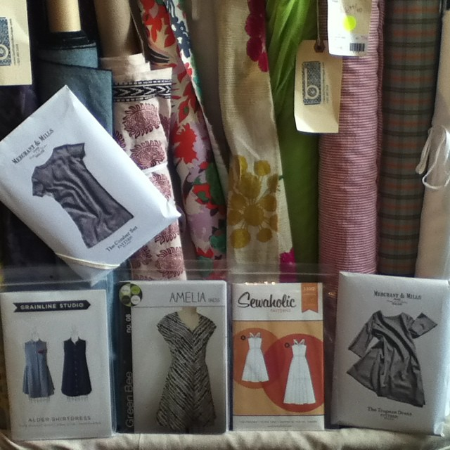 Wish i had an airy cotton dress right now...sigh #boltneighborhood #pdxfabric #shoplocal #portlandfabric #indiepatterns