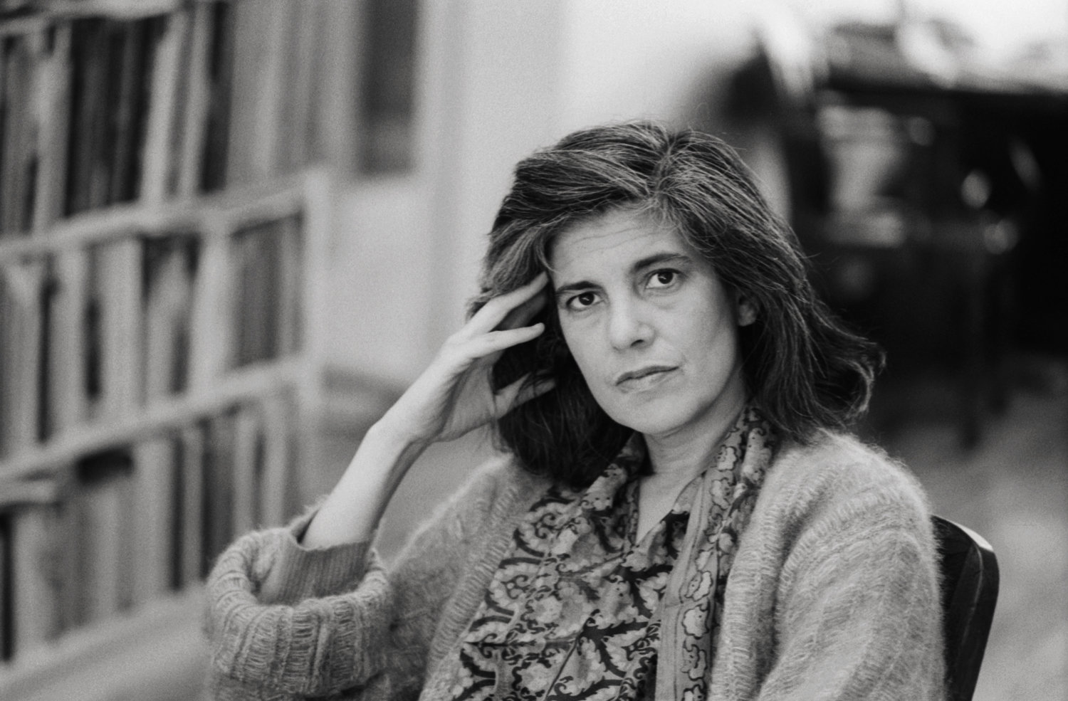 comparing walter benjamin and susan sontag essay