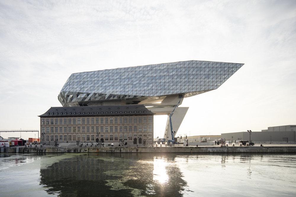 Port House. Zaha Hadid.